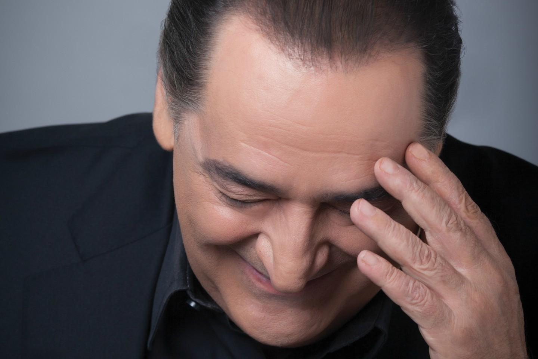 Βασίλης Καρράς | Ακούστε το νέο του single «Τυπικές Σχέσεις» μέσα από το πρόσφατο album του!