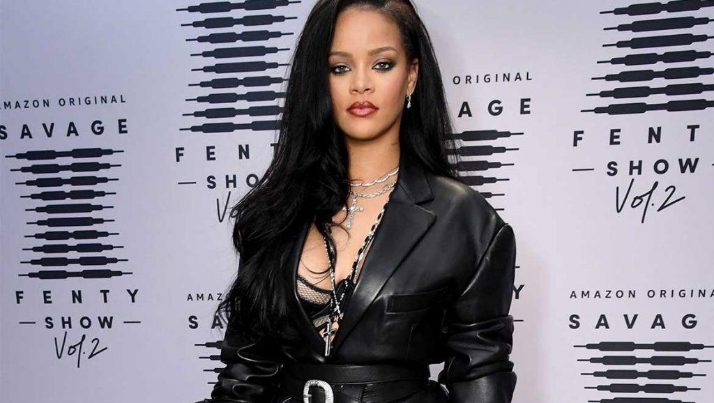 Rihanna: Ζήτησε δημόσια συγγνώμη μετά τις αντιδράσεις μουσουλμάνων για τραγούδι στο σόου της
