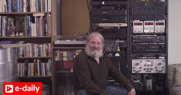 Ο άνδρας που ήθελε να μάθει μουσική σε... εξωγήινους (video)