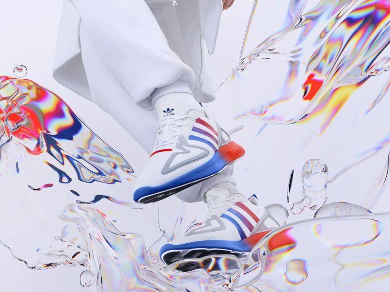 To φετινό φθινόπωρο είναι πιο «χρωματιστό» από ποτέ με αυτά τα τέσσερα ολοκαίνουρια sneakers .