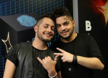 Άλεξ & Θάνος Παϊτέρης | Η νέα τους δισκογραφική δουλειά με τίτλο «Δύο τετράγωνα μετά»!