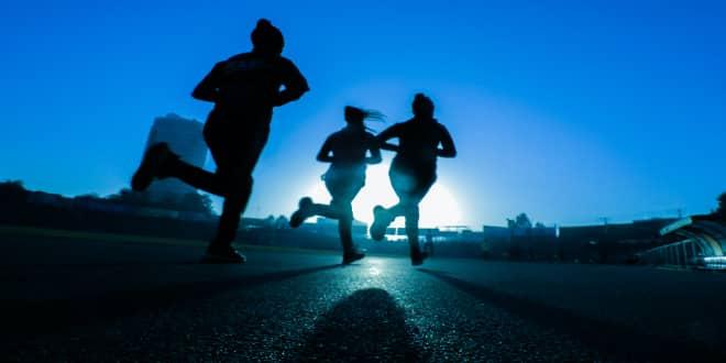 Πέντε τρόποι για να παραμείνεις fit τώρα που είναι κλειστά τα γυμναστήρια