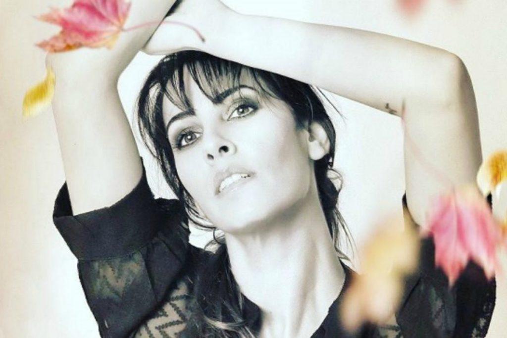 Σαλίνα Γαβαλά | Το νέο της τραγούδι με τίτλο «Μάγισσες»!