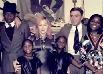 Δείτε τη Μαντόνα να ποζάρει και με τα έξι της παιδιά