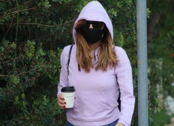 Δέσποινα Βανδή: Η Στιλάτη Εμφάνιση Στη Γλυφάδα