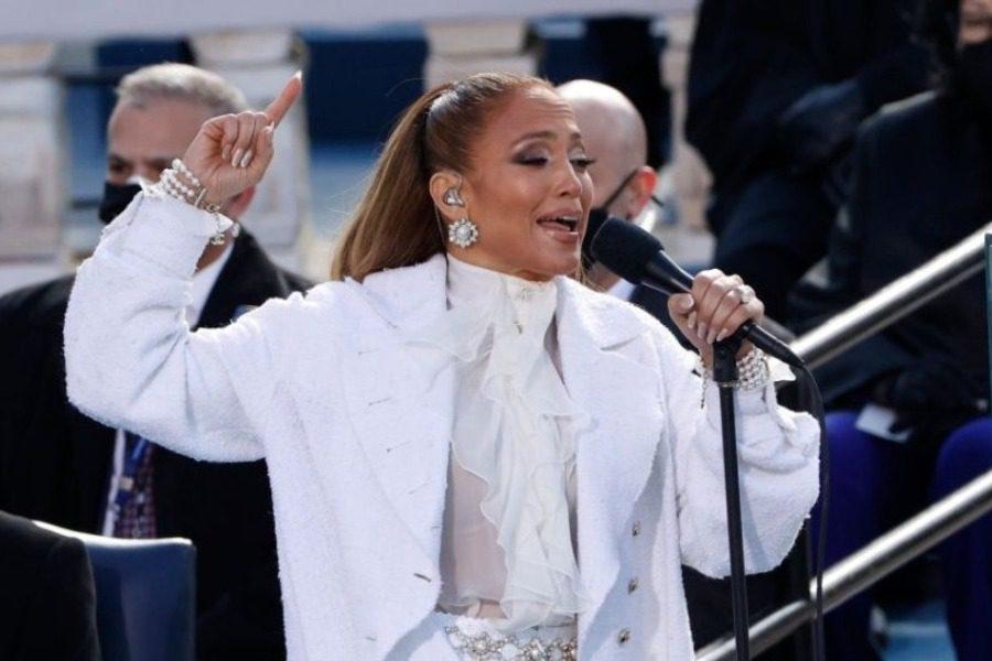 H Jennifer Lopez ερμήνευσε ένα συμβολικό τραγούδι  στην ορκωμοσία του Μπάιντεν