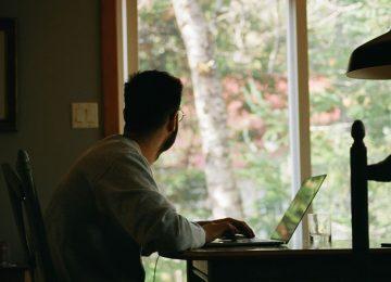 Το νέο μοντέλο εργασίας: Δύο- τρεις μέρες γραφείο, δύο- τρεις μέρες σπίτι