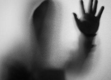 Νέα καταγγελία για πασίγνωστο ηθοποιό-Την βίασε και την απείλησε να την καταστρέψει