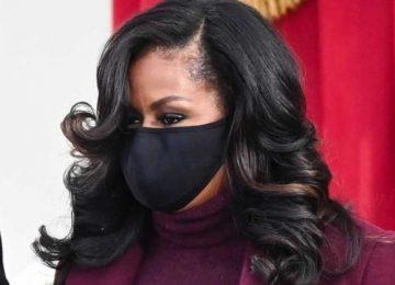 Πώς να παραμείνει σταθερό το κραγιόν σου κάτω από τη μάσκα