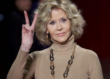 H Jane Fonda ποζάρει στα 83 της σε εξώφυλλο και είναι αγνώριστη