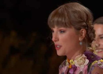 Η Taylor Swift ηχογραφεί ξανά τα παλιά της άλμπουμ και αλλάζει τη μουσική βιομηχανία