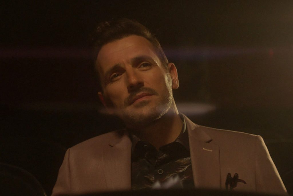 Νίκος Βέρτης | Κυκλοφόρησε το video clip της νέας του επιτυχίας «Κοίτα»!