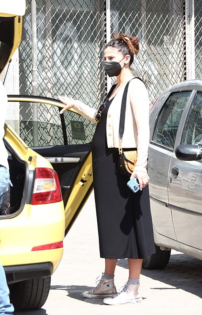 Η Χριστίνα Μπόμπα πήγε για ψώνια στο Θησείο