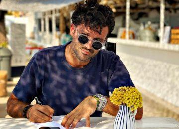 Γιώργος Παπακώστας: Φωτιά στο μαγαζί του στη Γλυφάδα – Τι είπε στο TLIFE
