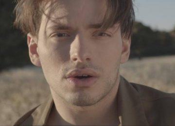 Βαγγέλης Κακουριώτης – «Έχω Δικό Μου Θεό» | Το νέο του single με το video που συναρπάζει!