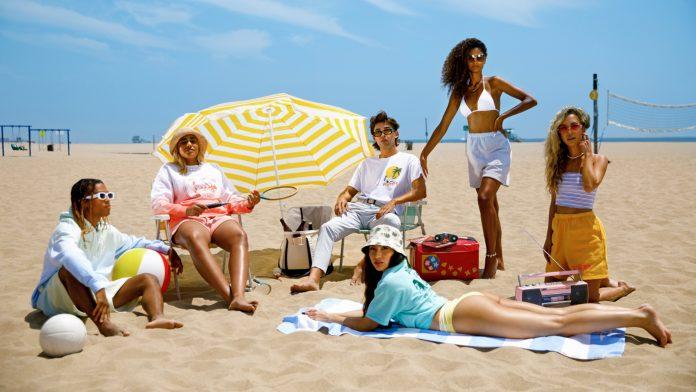 Δε φεύγεις για παραλία χωρίς την Miami Beach συλλογή του Playboy