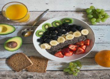 Οι λόγοι που τα σνακς πρέπει να μπουν στην καθημερινή σου διατροφή