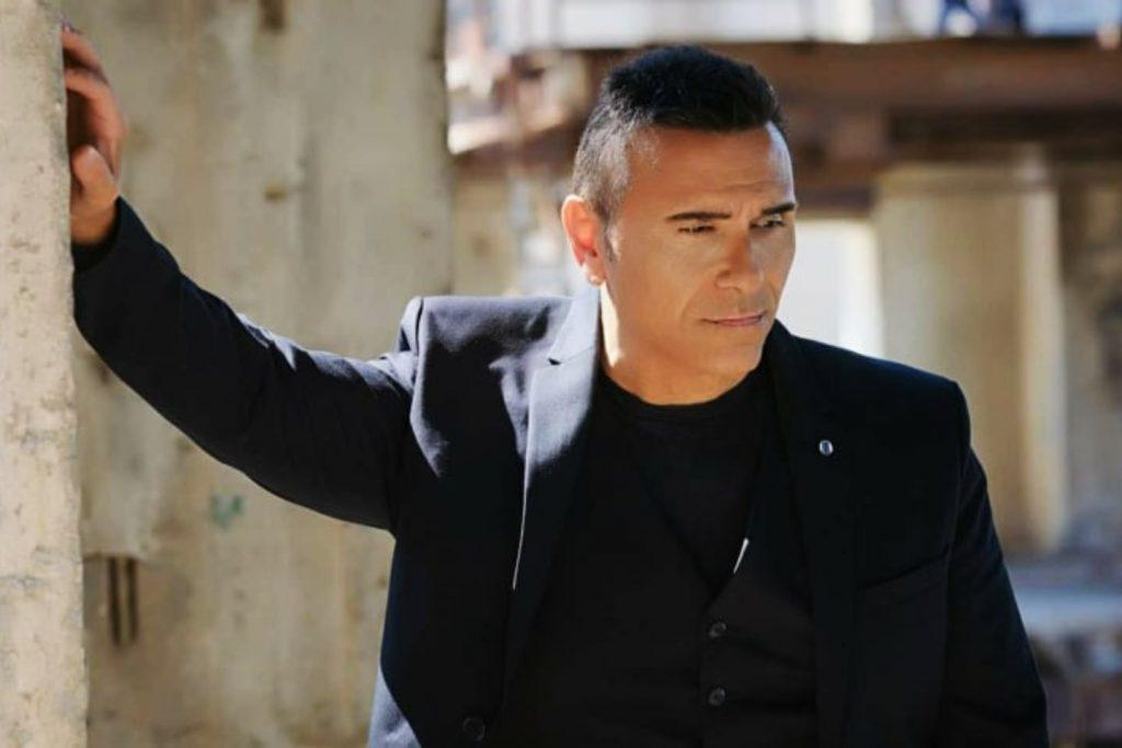 Ο Αλέκος Ζαζόπουλος επιστρέφει στη δισκογραφία και αποκαλύπτει ποιο είναι το κρυφό του πάθος!