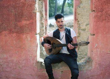Ο Αλέξανδρος Τζουγανάκης στη Sonar Music με ένα τραγούδι δώρο από τον Σταμάτη Γονίδη!