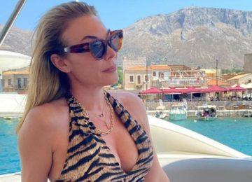H νέα φωτογραφία της Στεφανίδου με ολόσωμο μαγιό από τις καλοκαιρινές της διακοπές