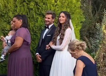 Παντρεύτηκε ο Άκης Πετρετζίκης | Zappit
